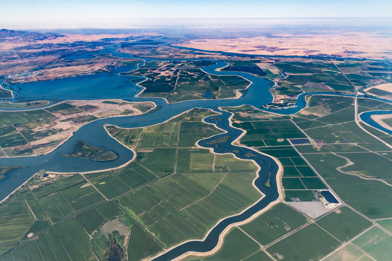Beneficiaries of improved river basin management and safe deltas |